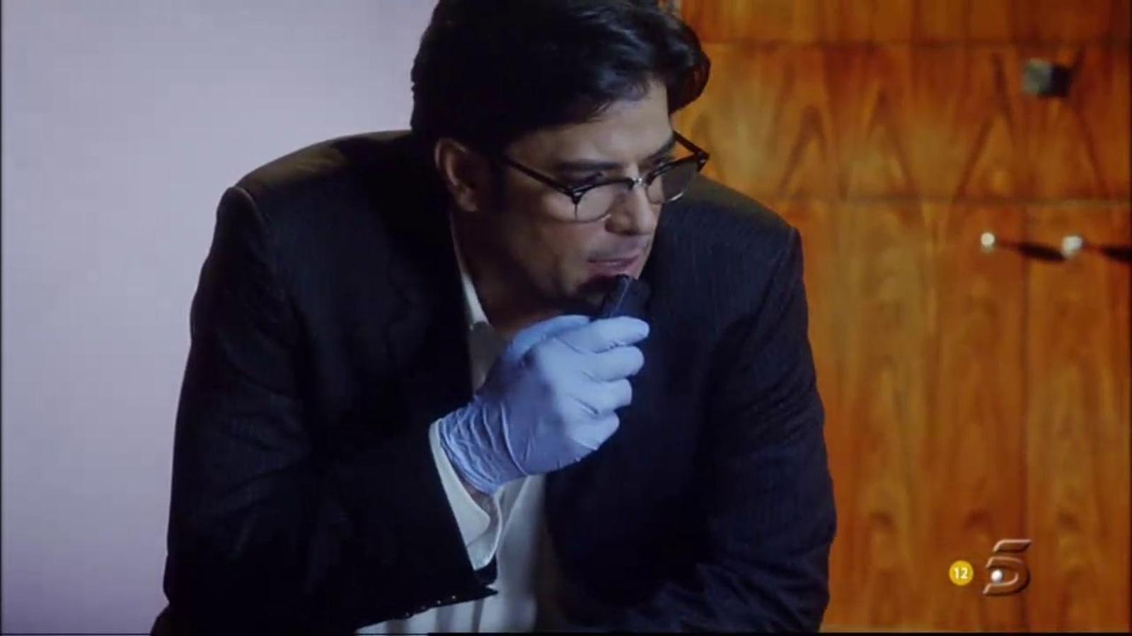 La versió doblada de Telecinco de la visita dels Mossos a 'CSI'