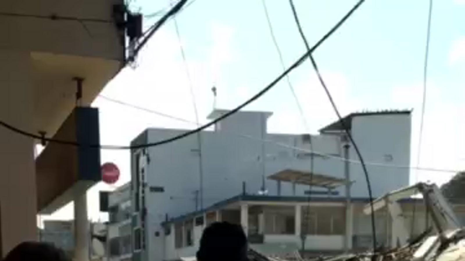 Imatges del terratrèmol de l'Equador enviades als familiars a Barcelona