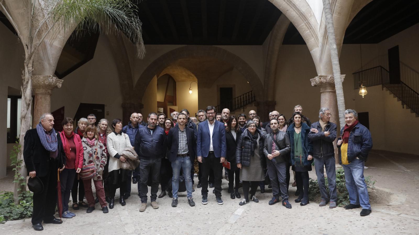 El batle de Palma junt a membres del CMC