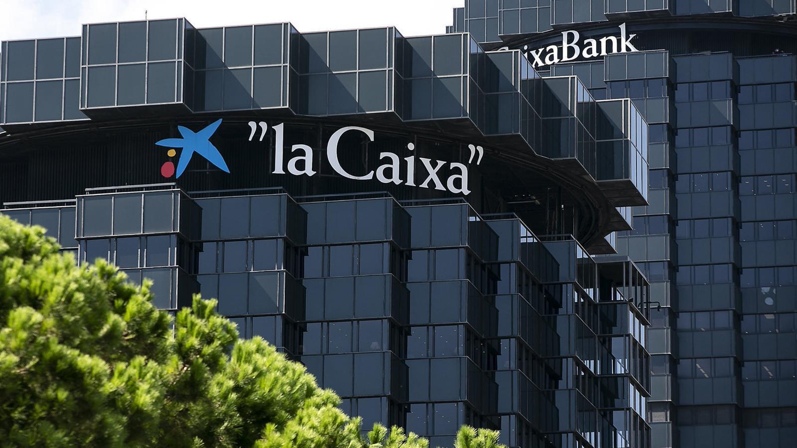 Els serveis centrals de CaixaBank estan situats A les torres De l'entitat  A l'avinguda Diagonal.