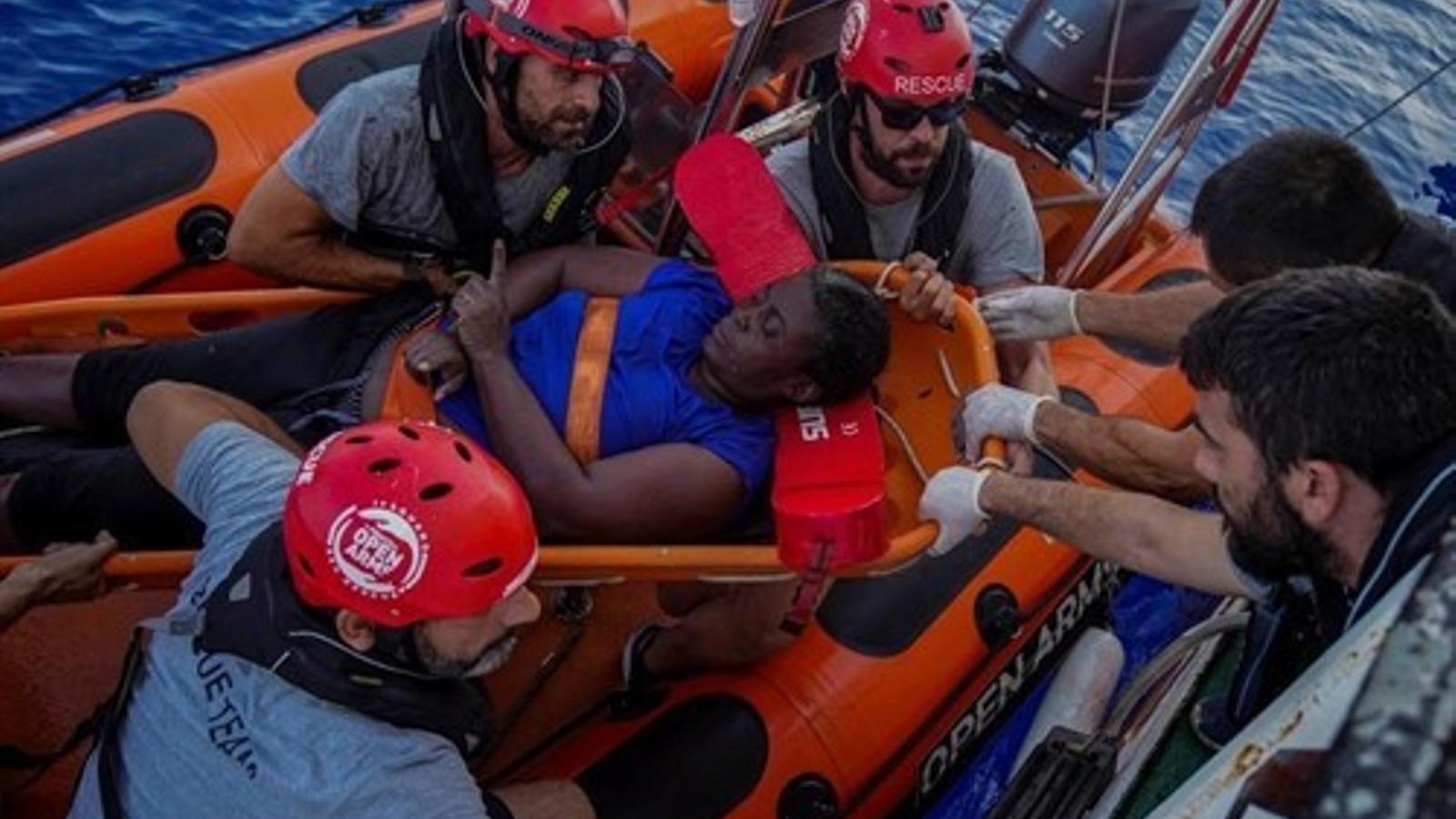 Traslladen Josepha, rescatada per l'Open Arms, a un centre d'acollida de Catalunya