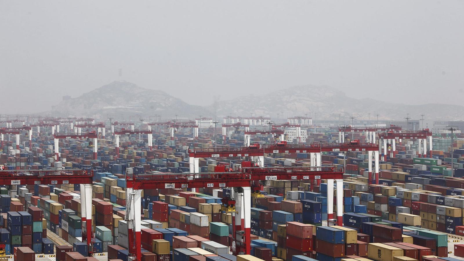 La guerra comercial i la caiguda del consum frenen l'economia xinesa