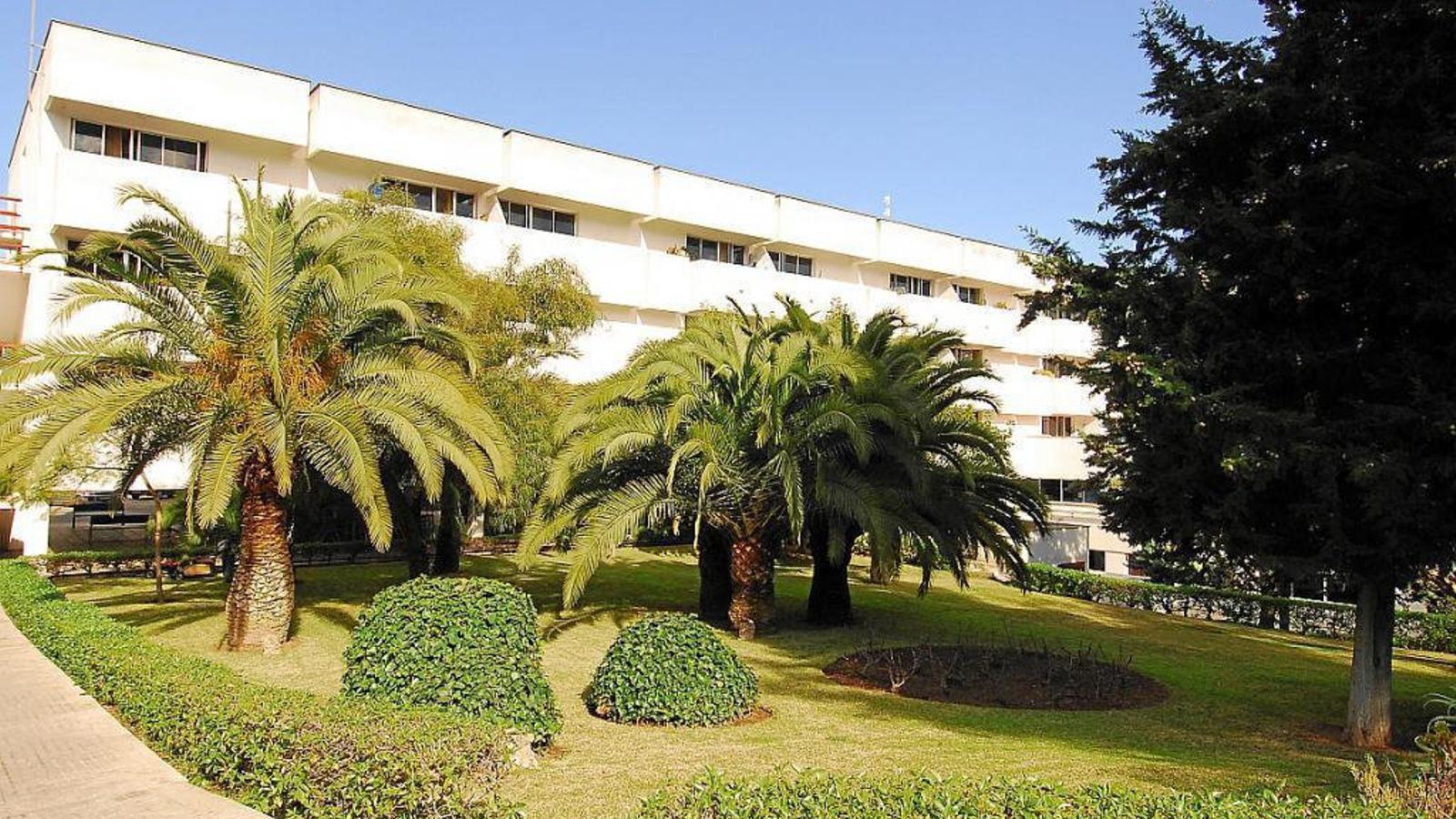 Rosa Serrano és funcionària de carrera, amb plaça fixa a la residència Bonanova de Palma.