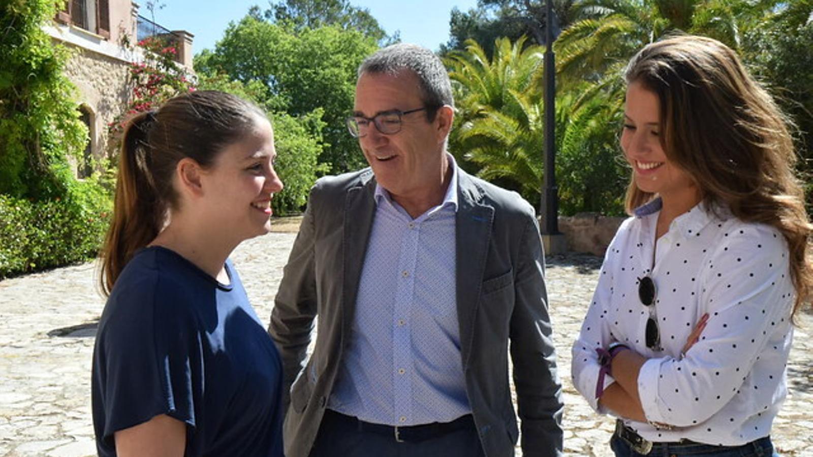 Juan Pedro Yllanes, Aurora Ribot i Gloria Santiago després de la reunió amb el rector de la UIB