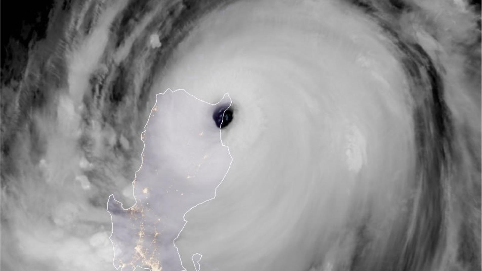 El tifó del Pacífic 'Mangkhut' deixa més de 50 morts a les Filipines