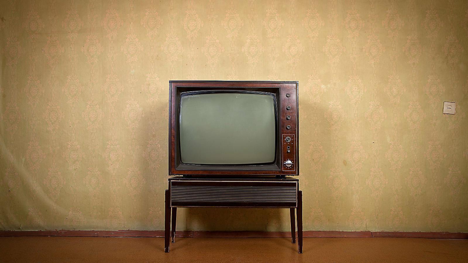 Al senyor Bonastre el que més li agradava era mirar la tele.