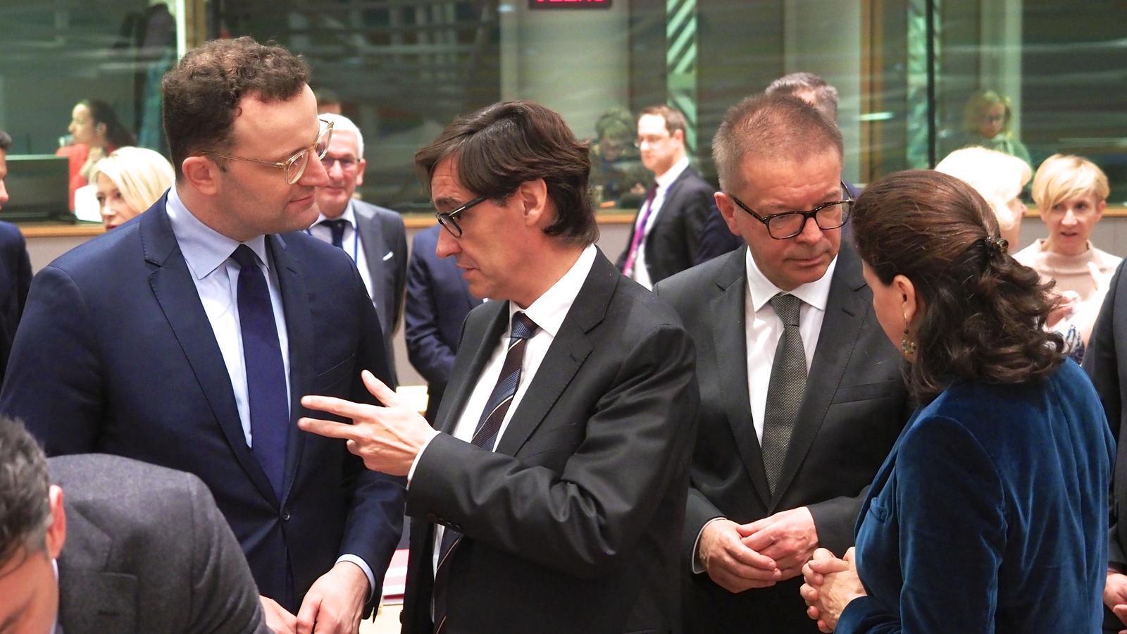 El ministre de Sanitat  d'Espanya, Salvador Illa, en la reunió amb els seus homòlegs europeus