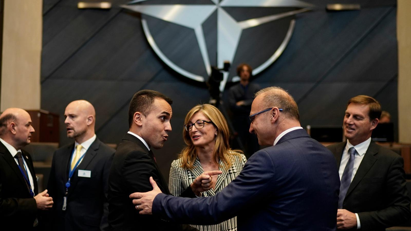 L'OTAN declara l'espai zona de guerra
