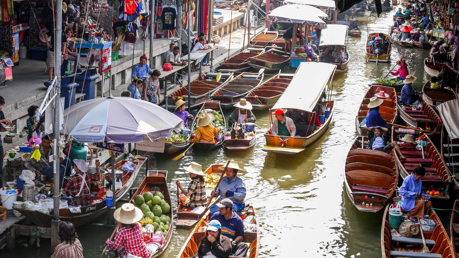 El mercat flotant de Damnoen Saduak, a prop de Bangkok