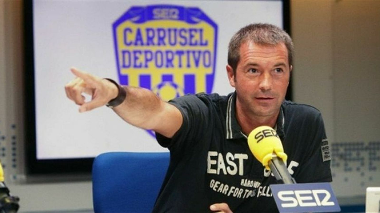Manu Carreño presenta 'El larguero'