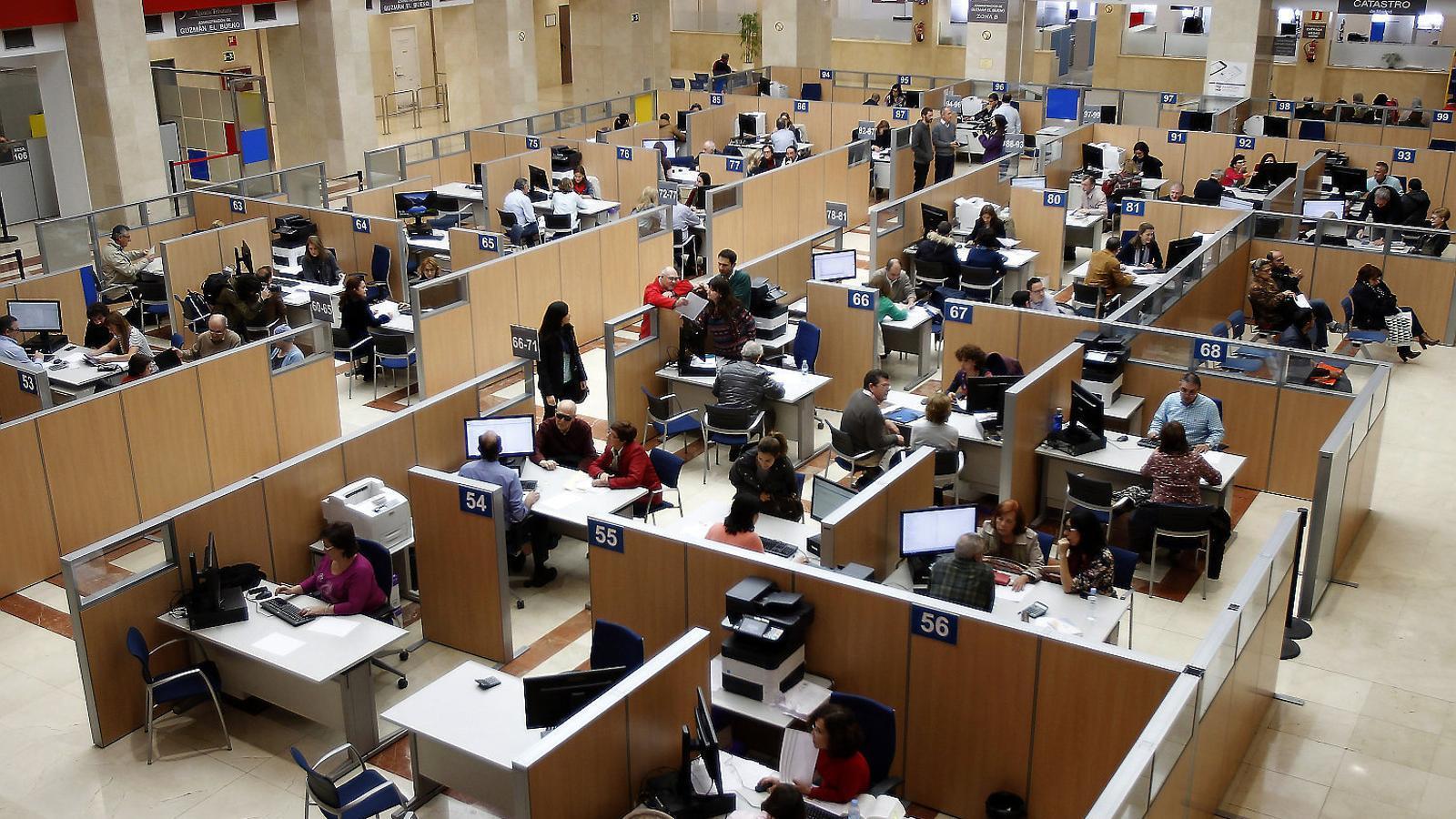 Una oficina de l'Agència Tributària a Madrid.