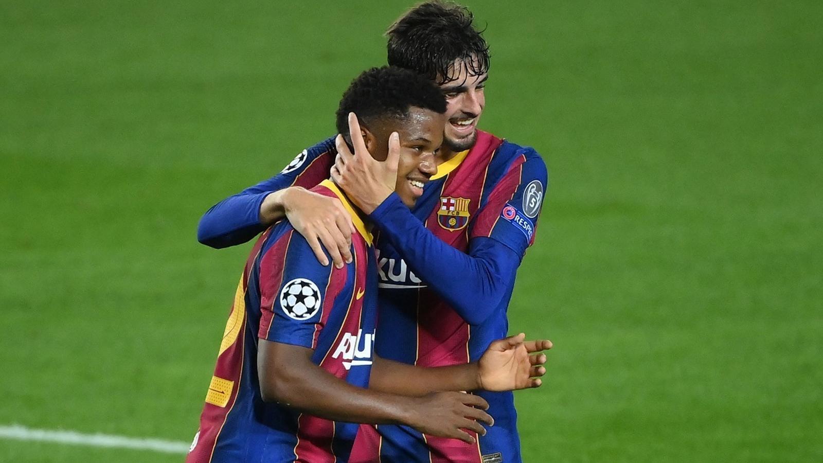 Ansu Fati i Trincao, celebrant el segon gol del Barça contra el Ferencváros