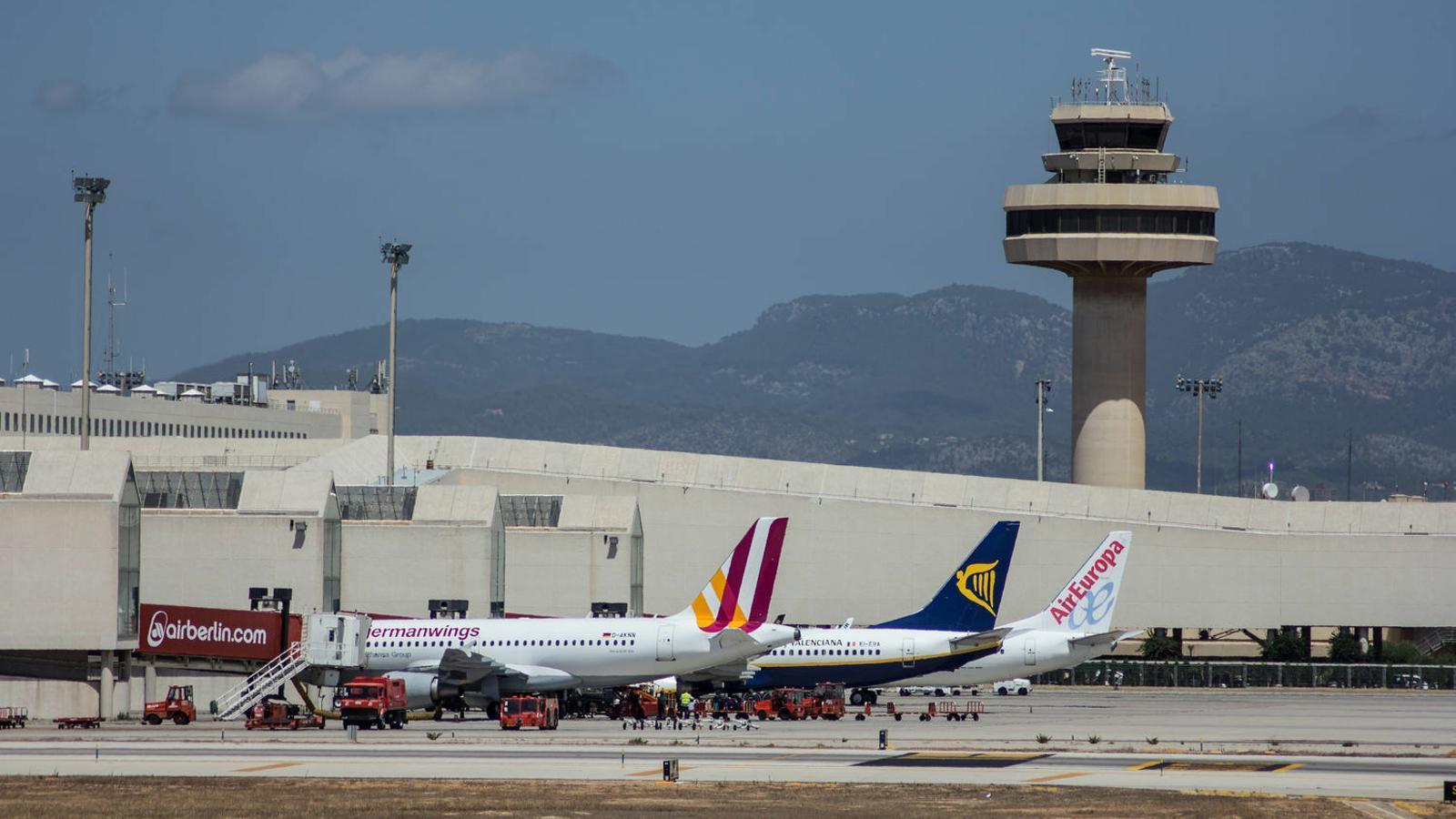 Cancel·len un 13% dels vols previstos per a aquest dilluns a l'aeroport de Palma