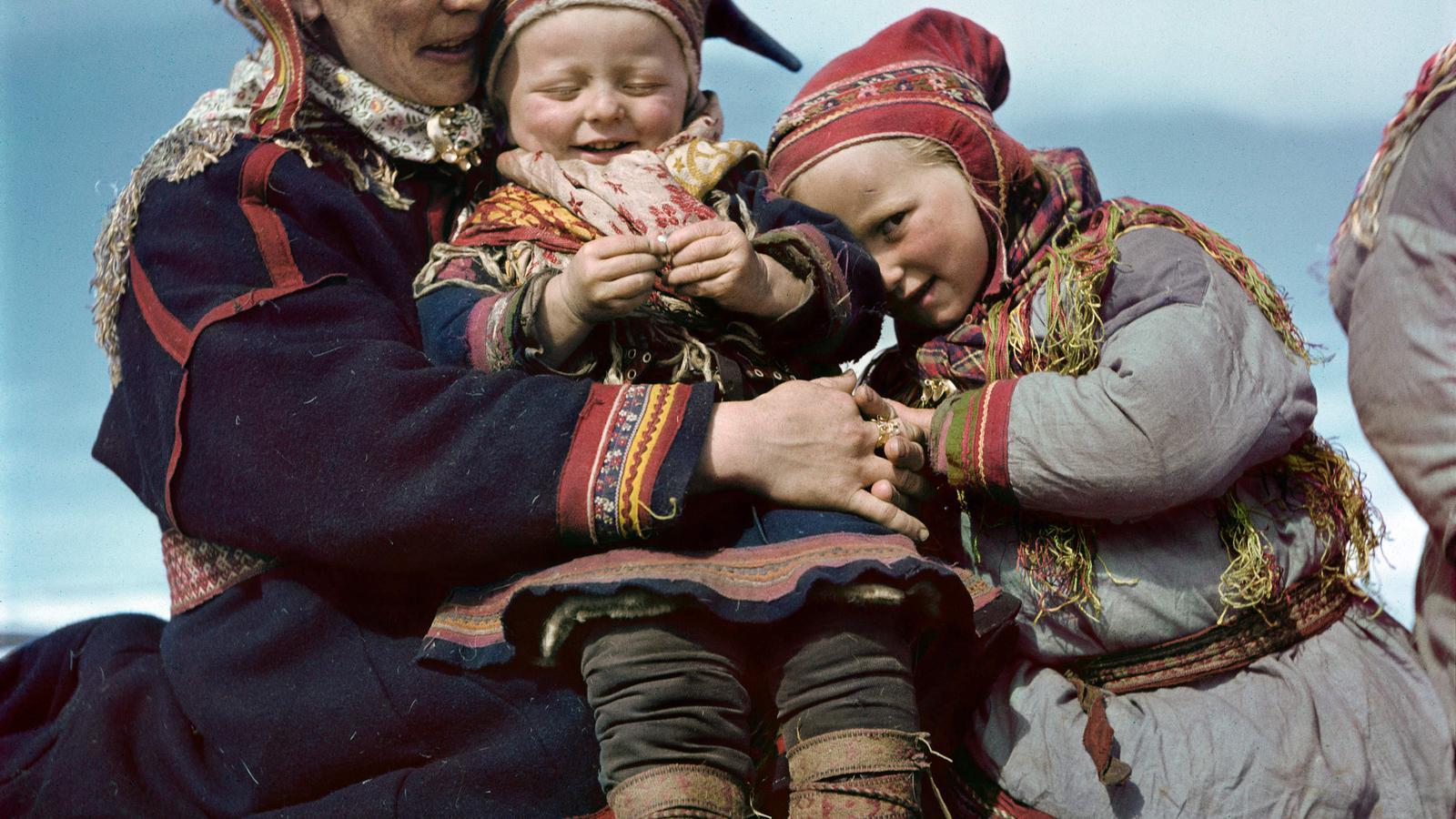 Robert Capa, Família lapona, Noruega, 1951. © Robert Capa/International Center of Photography/Magnum Photos.