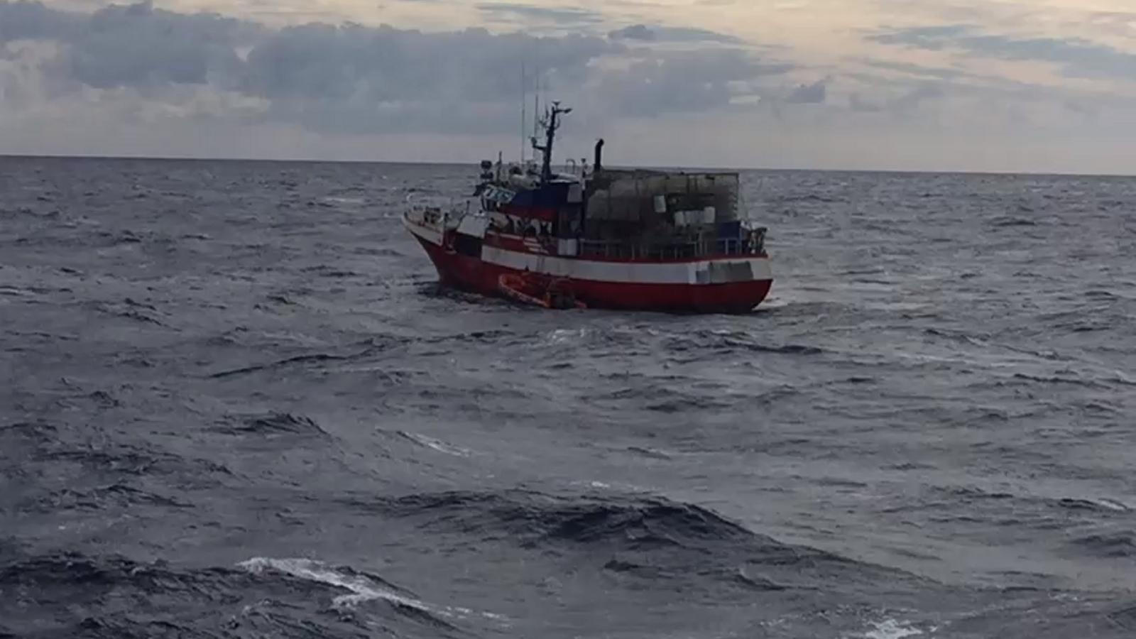 El pesquer 'Nuestra Madre Loreto', al Mediterrani.