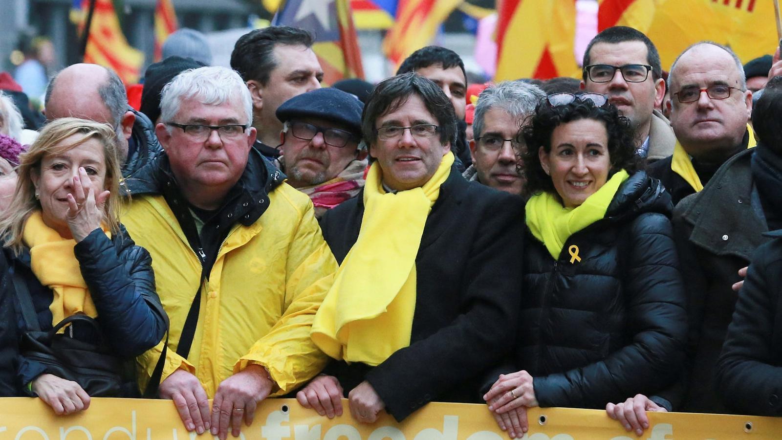 Puigdemont i Rovira, dijous, en la manifestació independentista a Brussel·les.
