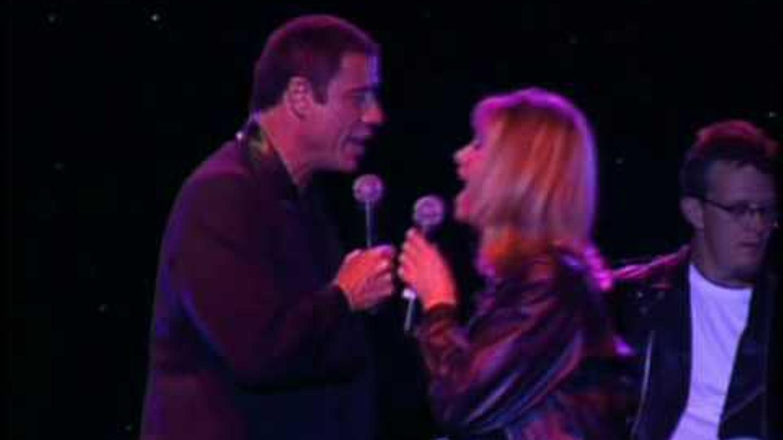 John Travolta i Olivia Newton-John van tornar a interpretar 'You're the one that I want' el 2002