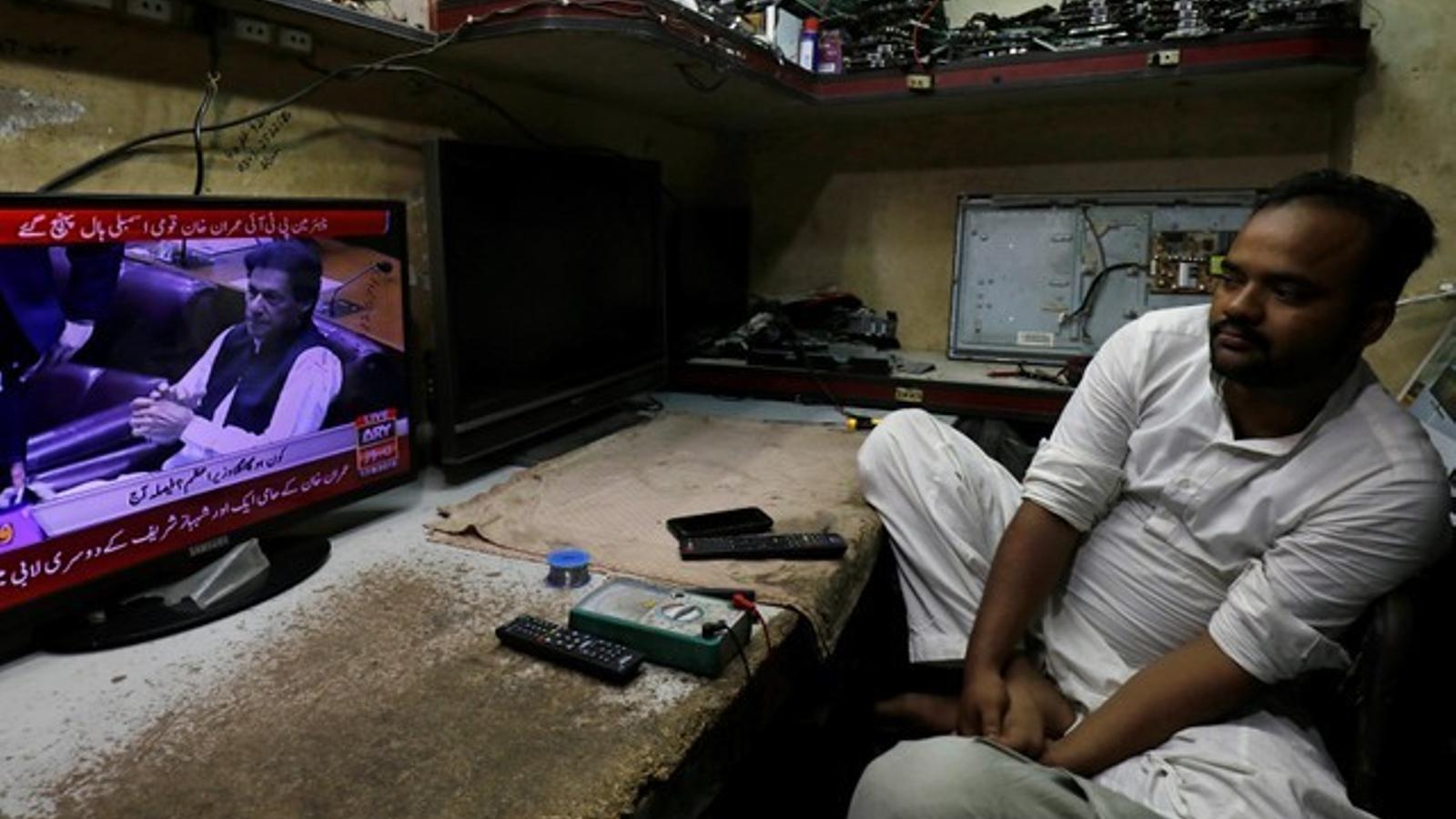 L'exjugador de criquet Imran Khan, escollit nou primer ministre del Pakistan