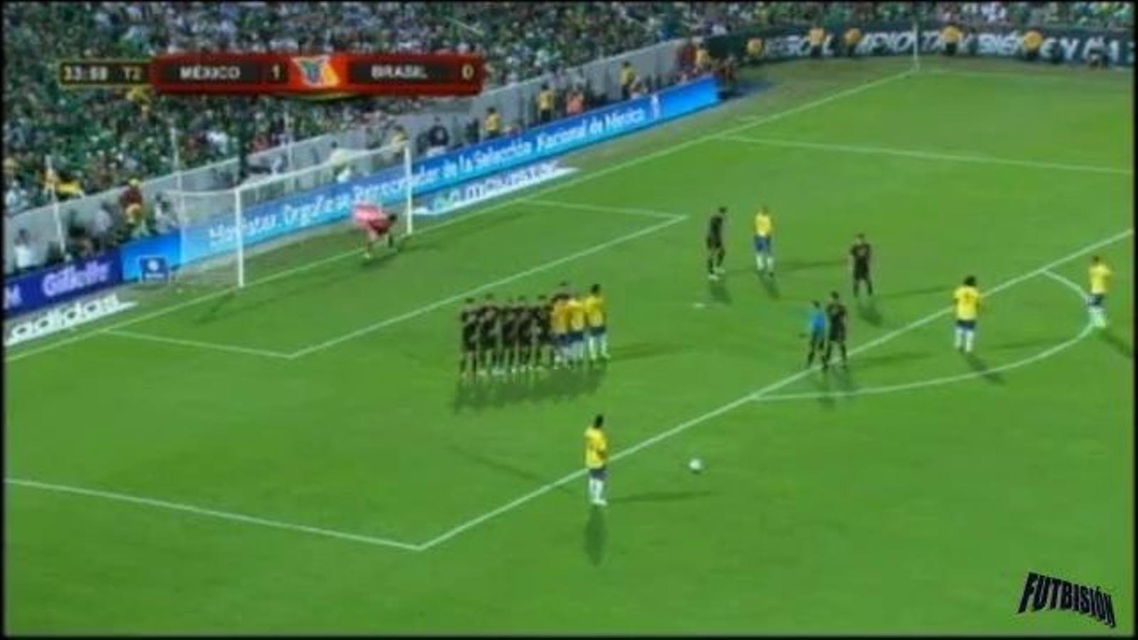 Ronaldinho marca de falta directa amb la selecció brasilera