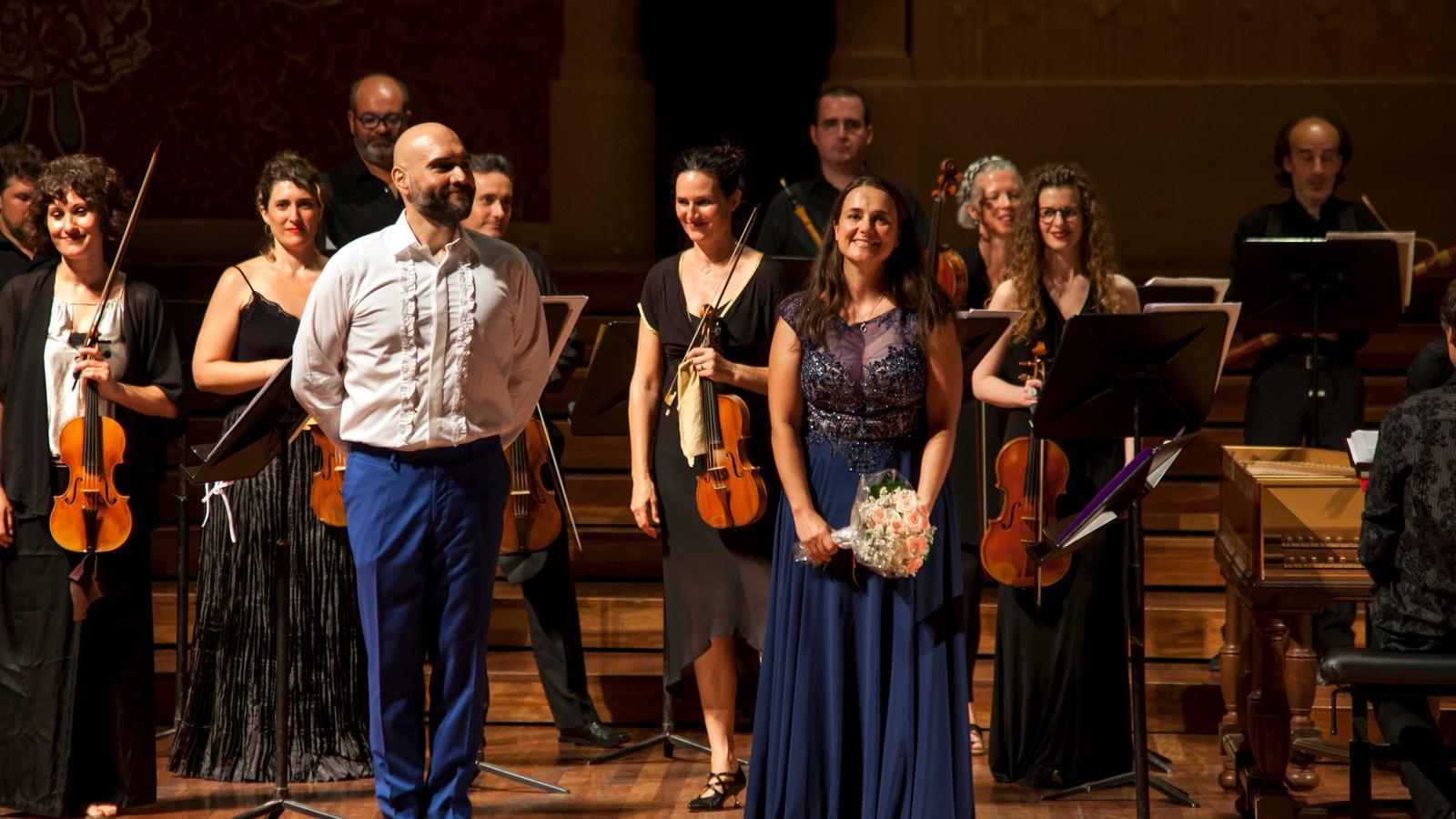 Xavier Sabata, Núria Rial i Vespres d'Arnadí rebent l'ovació del públic del Palau de la Música