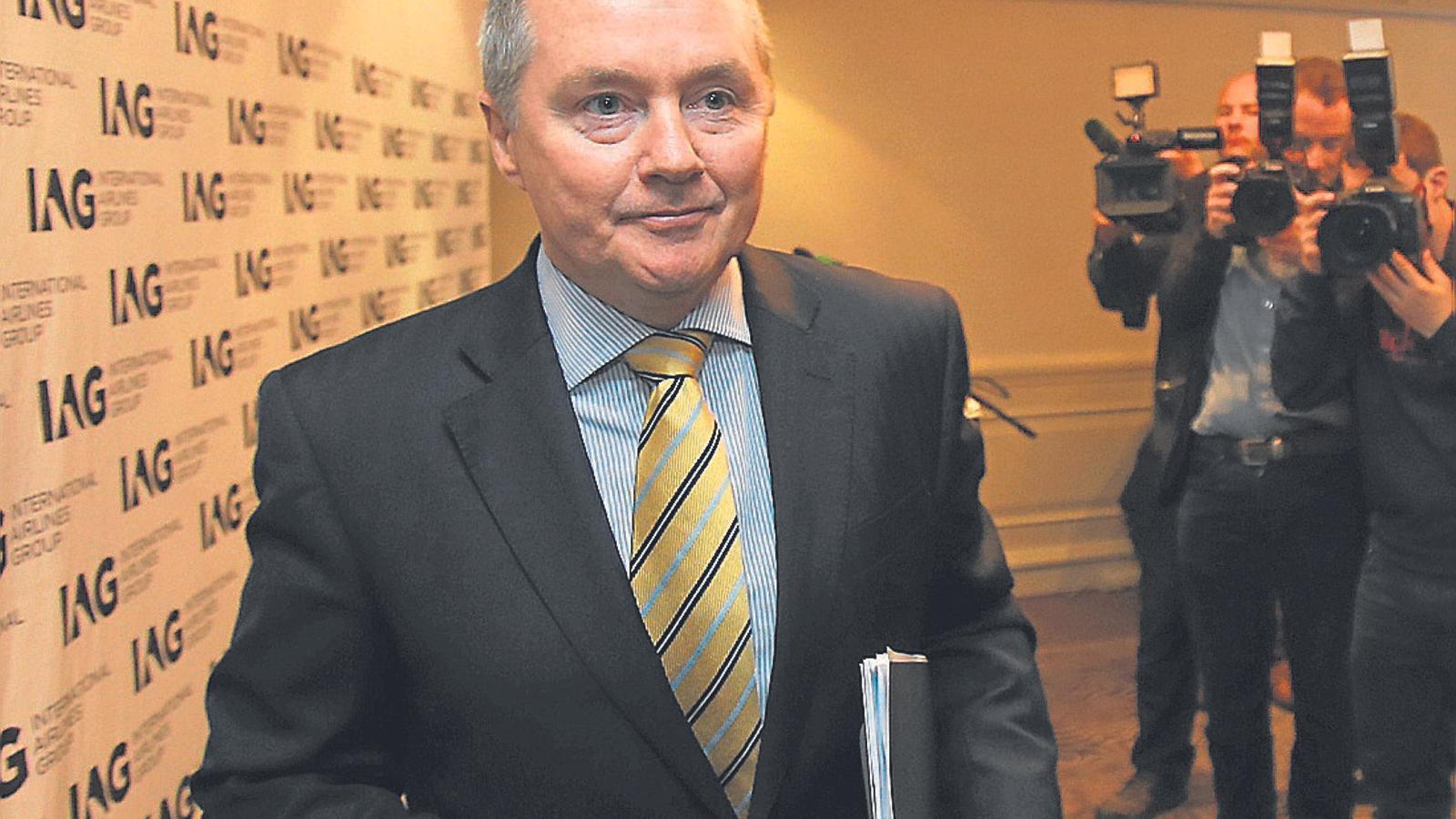 Willie Walsh, conseller delegat d'IAG, va assegurar fa dos anys que el grup no operaria vols de llarga distància des de Barcelona perquè era més eficient concentrar-se a Madrid