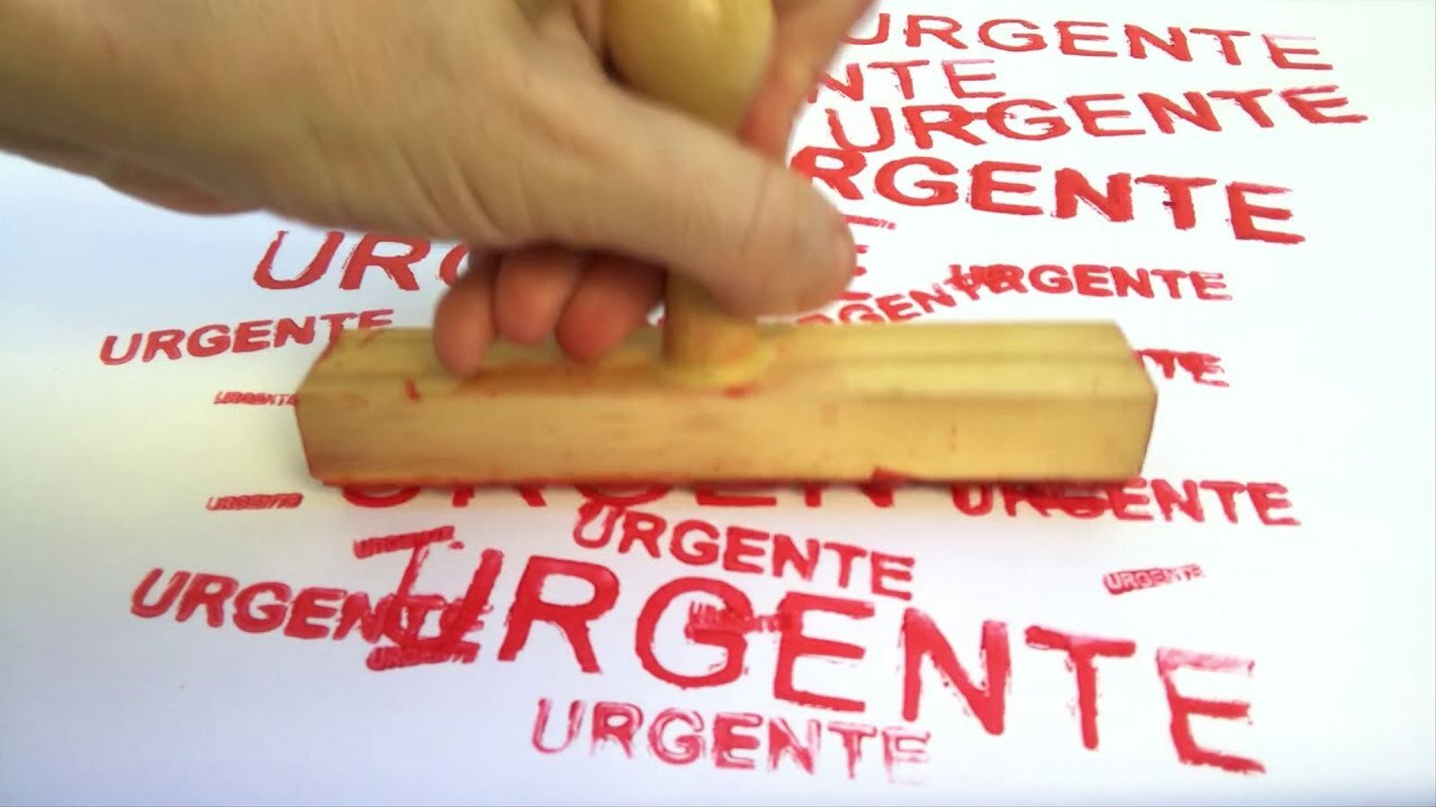 El vídeo 'Urgente', de l'artista Lia Chaia