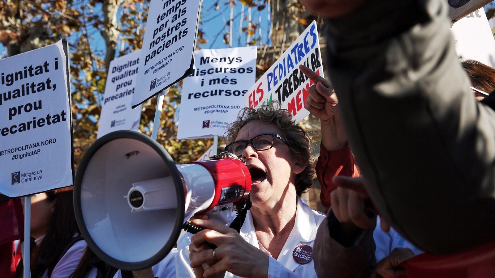 Es reprenen les negociacions per aturar la vaga a l'atenció primària