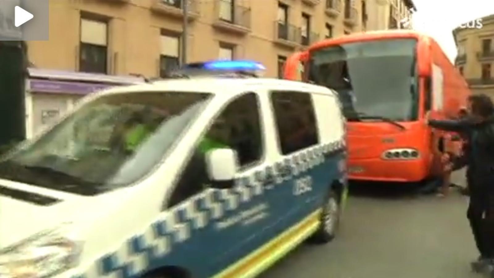 El bus transfòbic atropella una dona a Pamplona