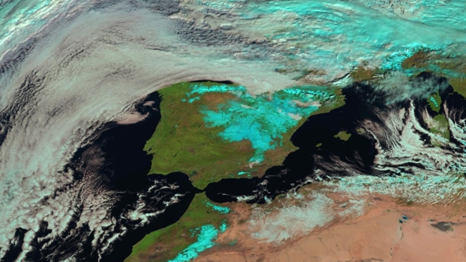 L'extensió de la nevada vista des de satèl·lit aquest matí
