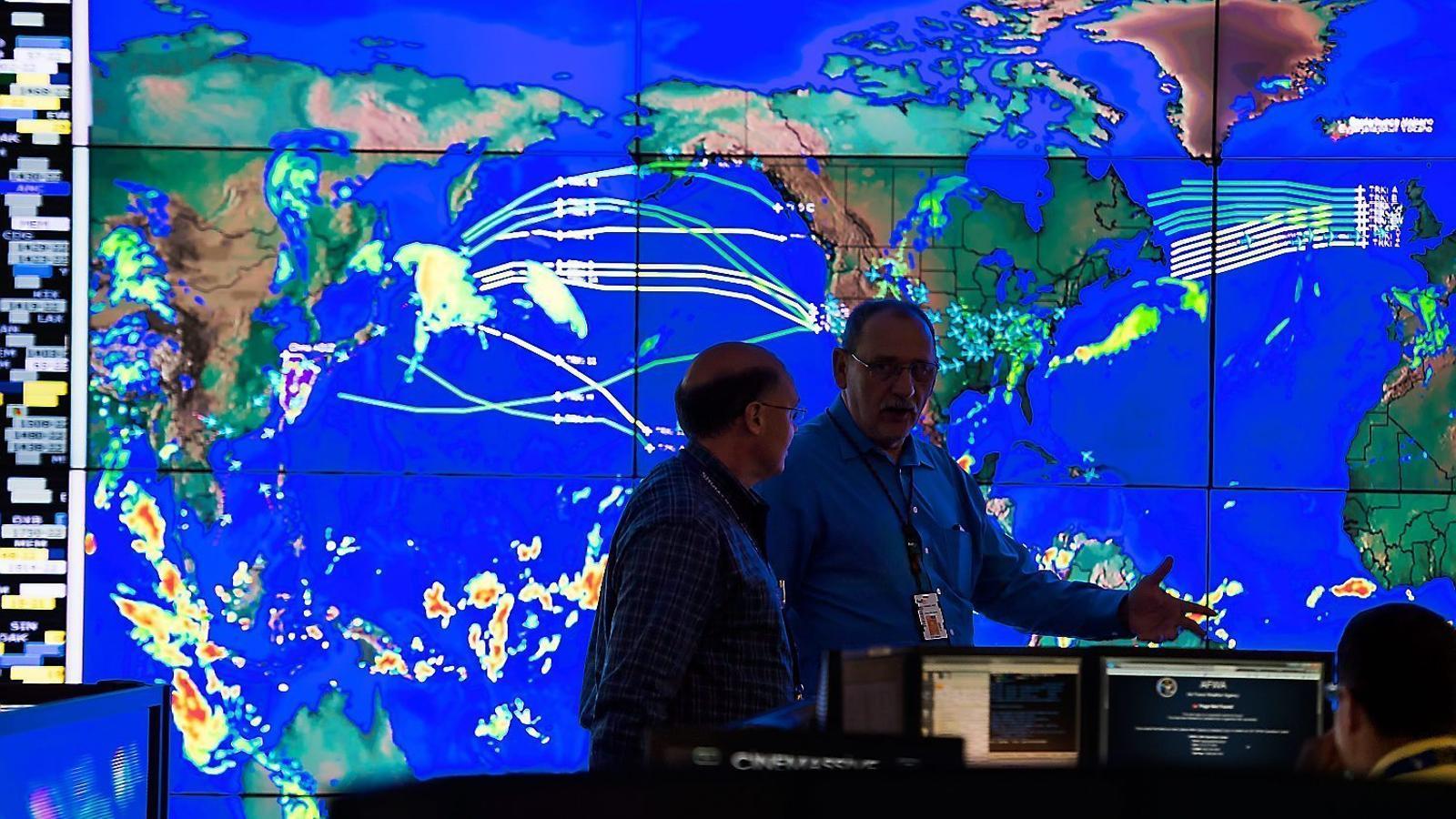 Els meteoròlegs que vetllen per la missatgeria mundial