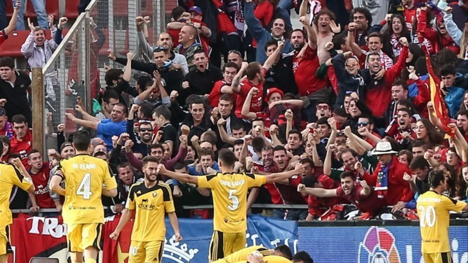 L'alegria dels jugadors i aficionats de l'Osasuna