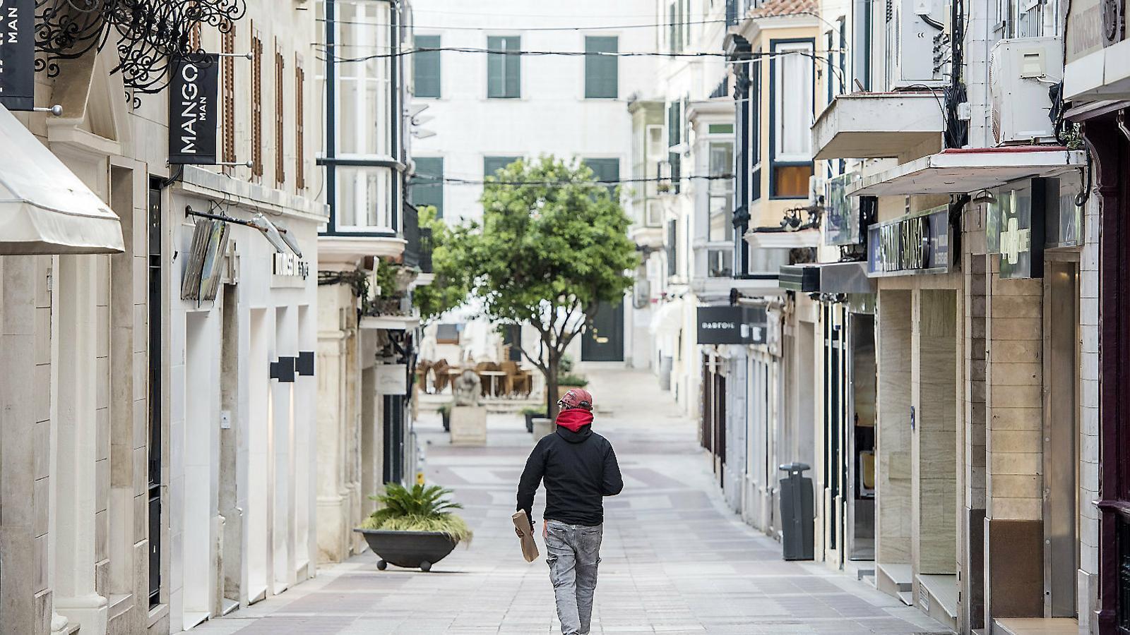 El pessimisme cala entre botiguers I restauradors a Menorca