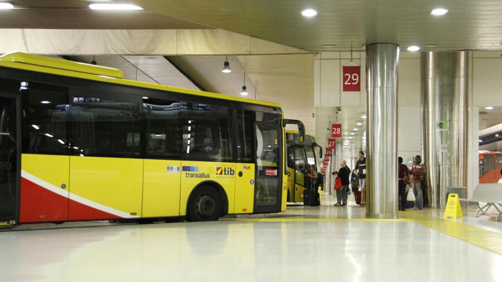Zona per als autobusos interurbans a l'estació Intermodal de Palma