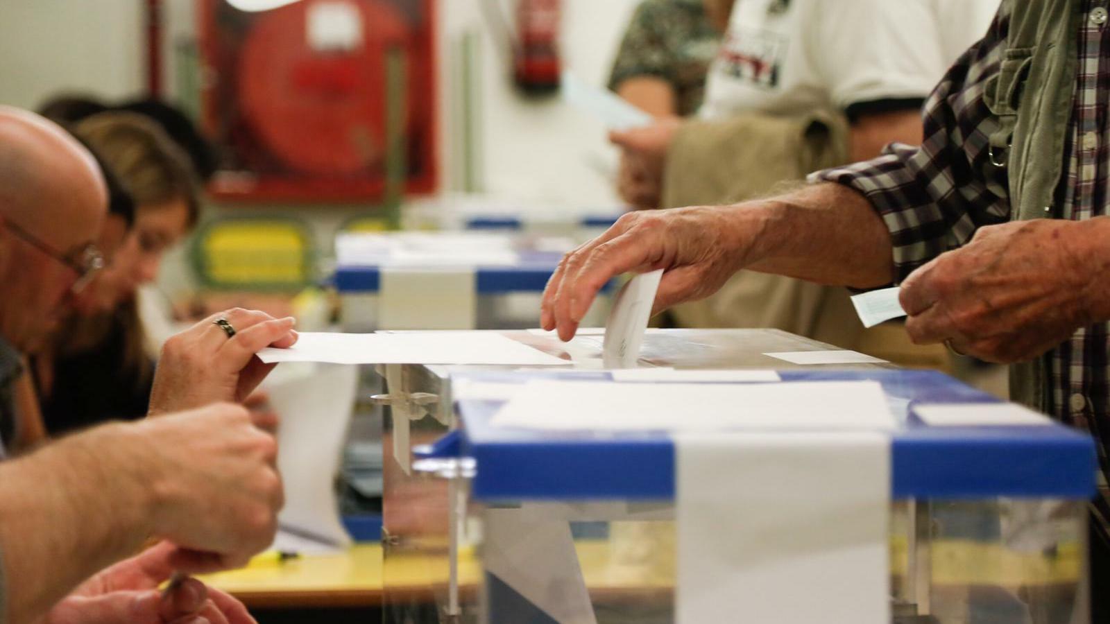 ERC i JxCat negocien no fer-se mal als municipis