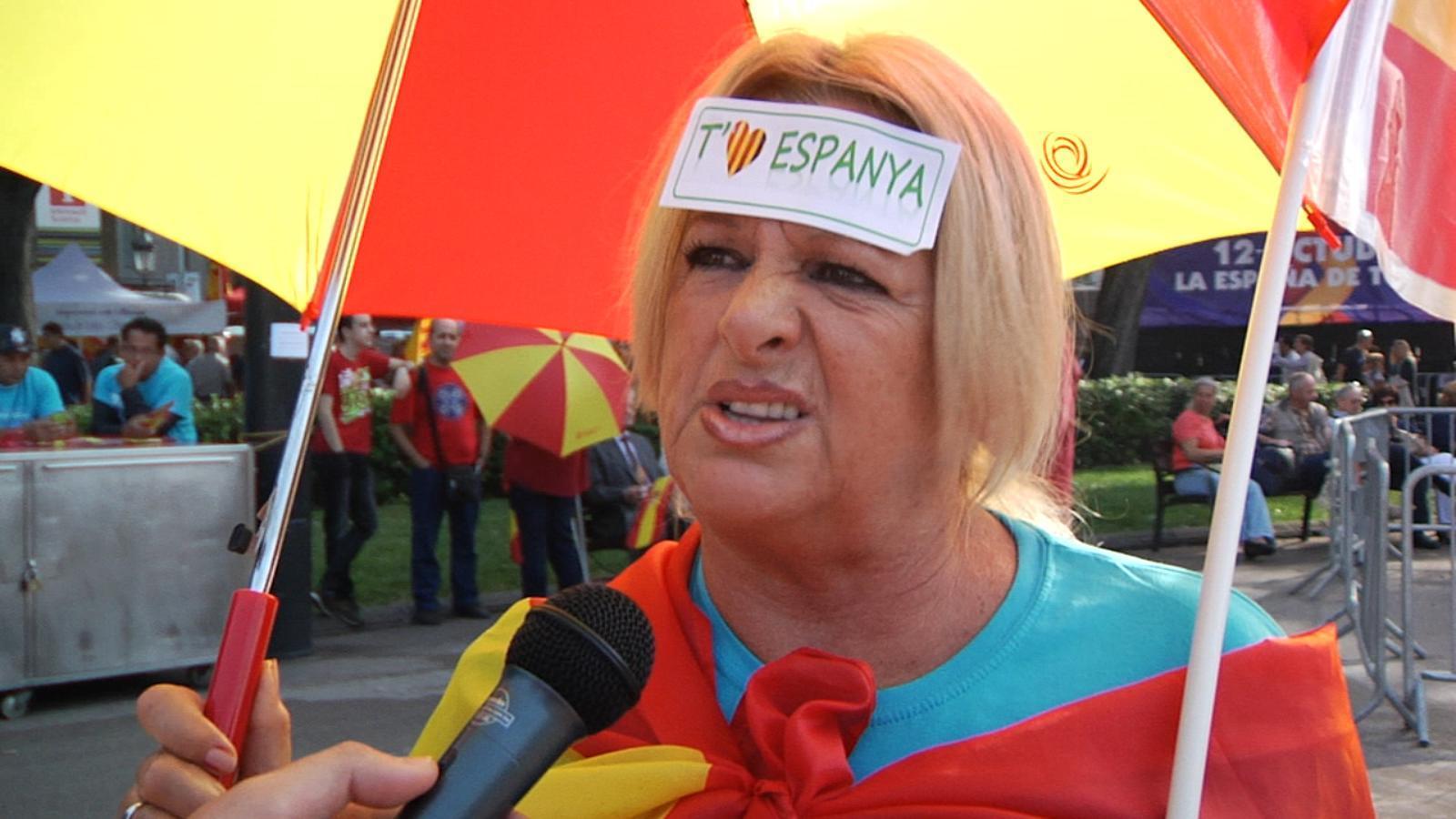 Els manifestants contra la independència expliquen per què no volen que es voti