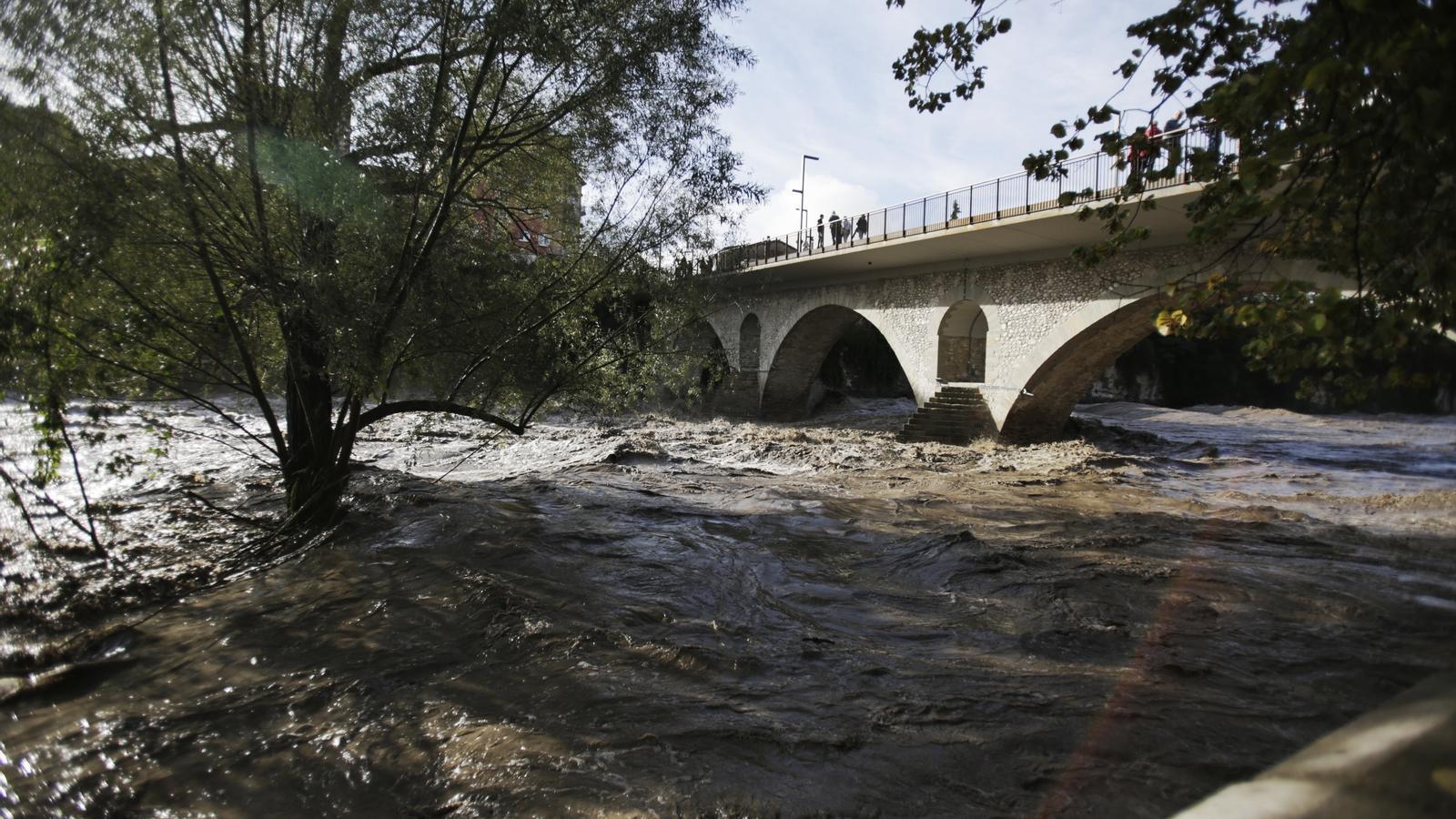 Sis hospitalitzats per l'episodi de pluges a Catalunya, cinc dels quals en estat greu