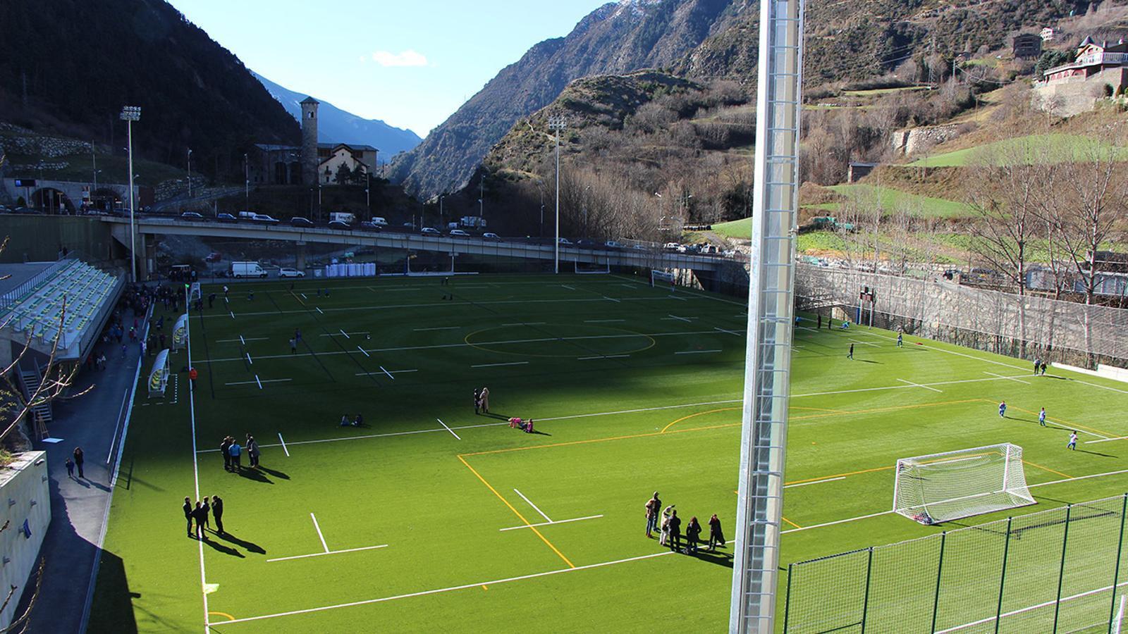 El camp de futbol de Prada de Moles. / ANA