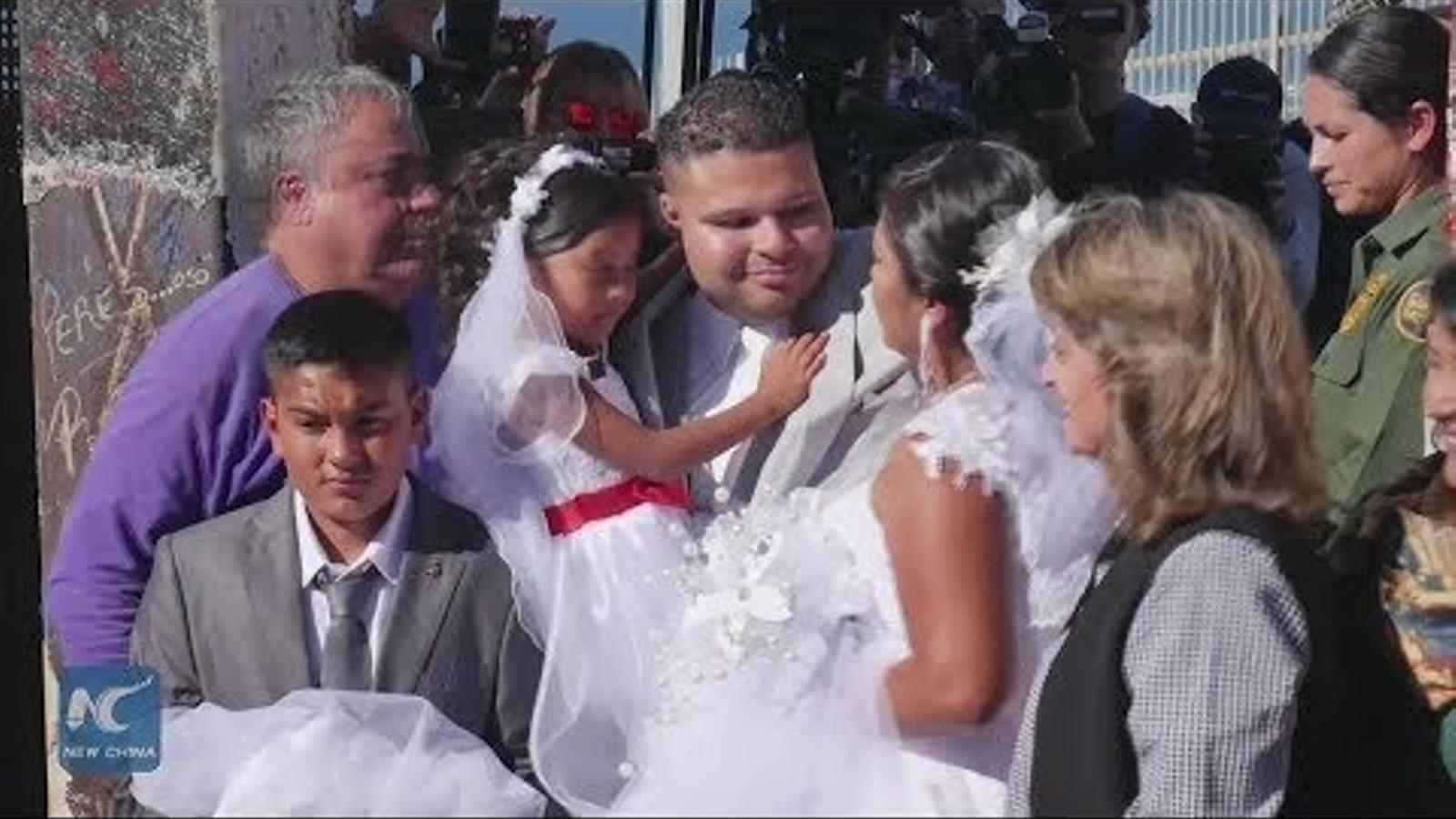 Casament a la frontera entre els Estats Units i Mèxic.