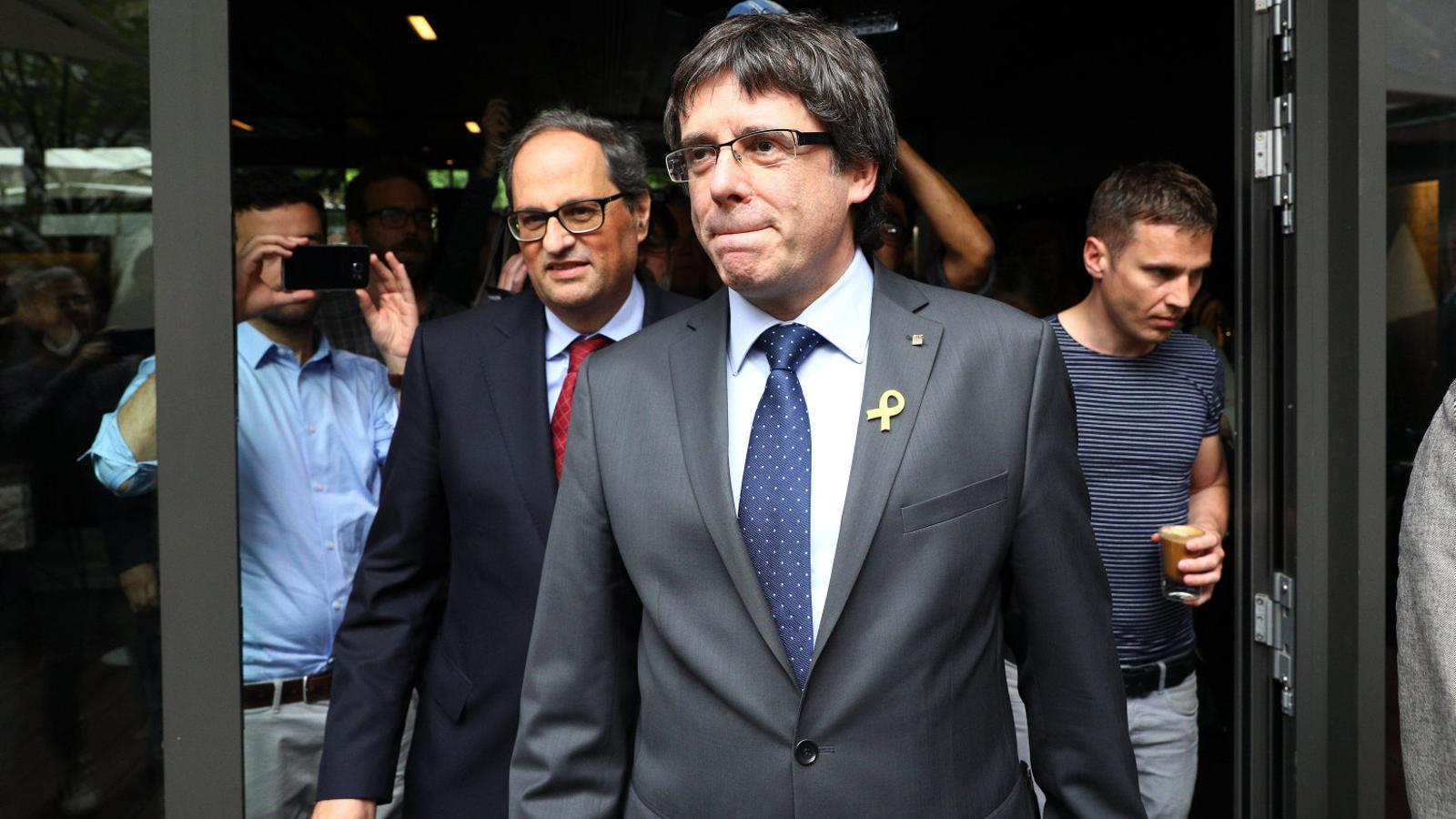 Carles Puigdemont i el president de la Generalitat, Quim Torra, en una trobada al mes de maig a Berlín.