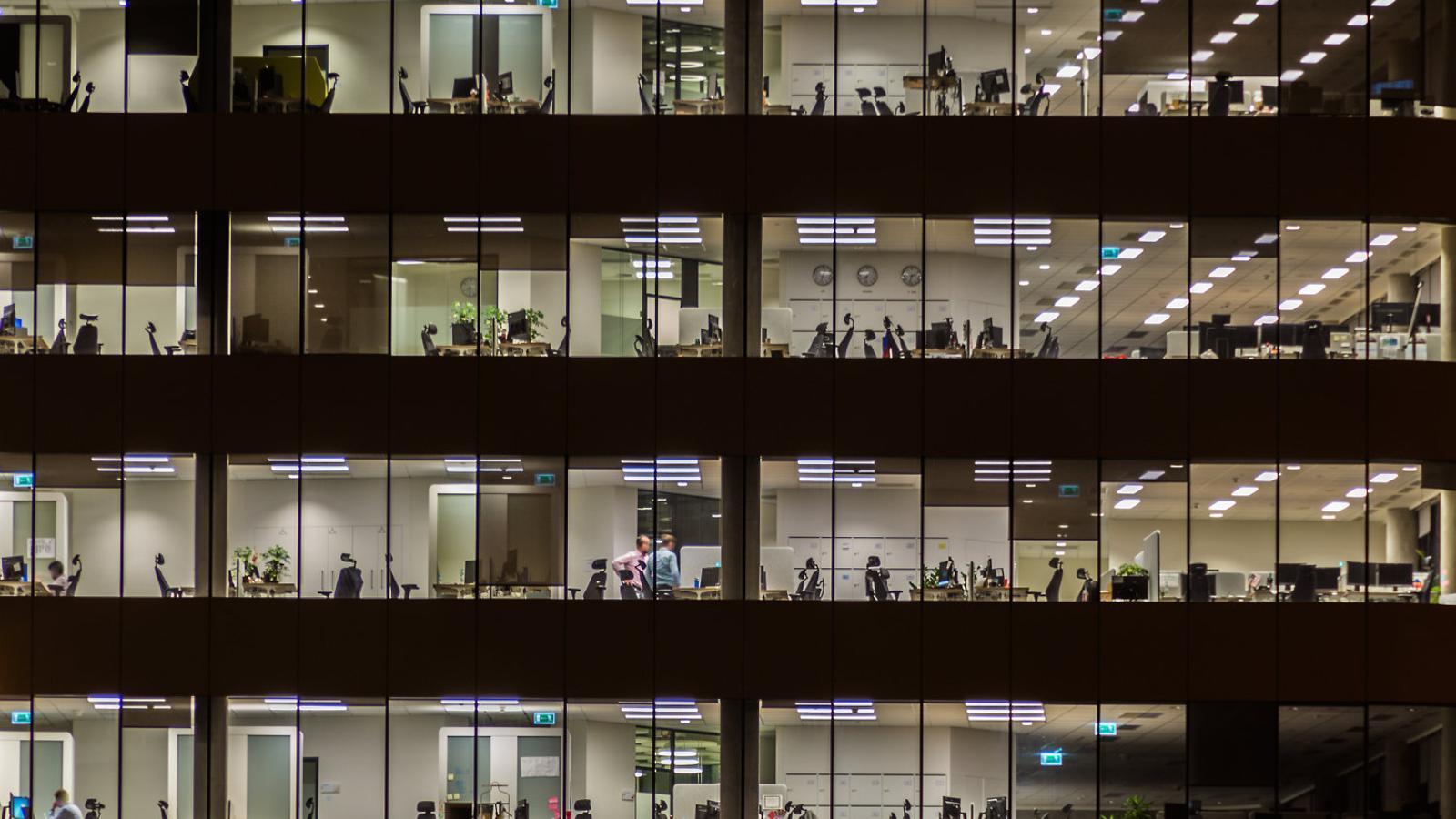 La meitat dels treballadors deixen la feina per culpa del cap directe