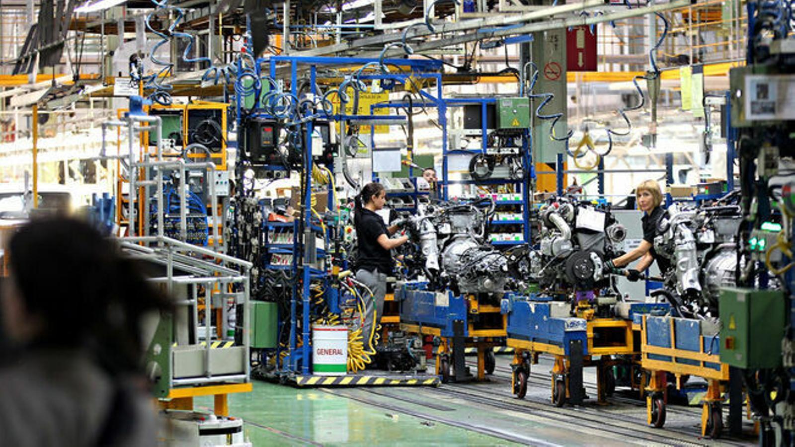 Nissan vol fer fora 10.000 treballadors a tot el món, el doble del previst a principis d'any