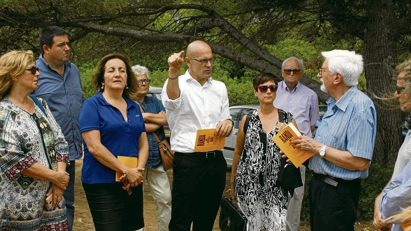 El 21 de juliol de 2017, el conseller de la Generalitat Raül Romeva (enmig) visità la zona de sa Coma, acompanyat per la consellera de Cultura del Govern, Fanny Tur, membres de Memòria de Mallorca i l'historiador Antoni Tugores (dreta).