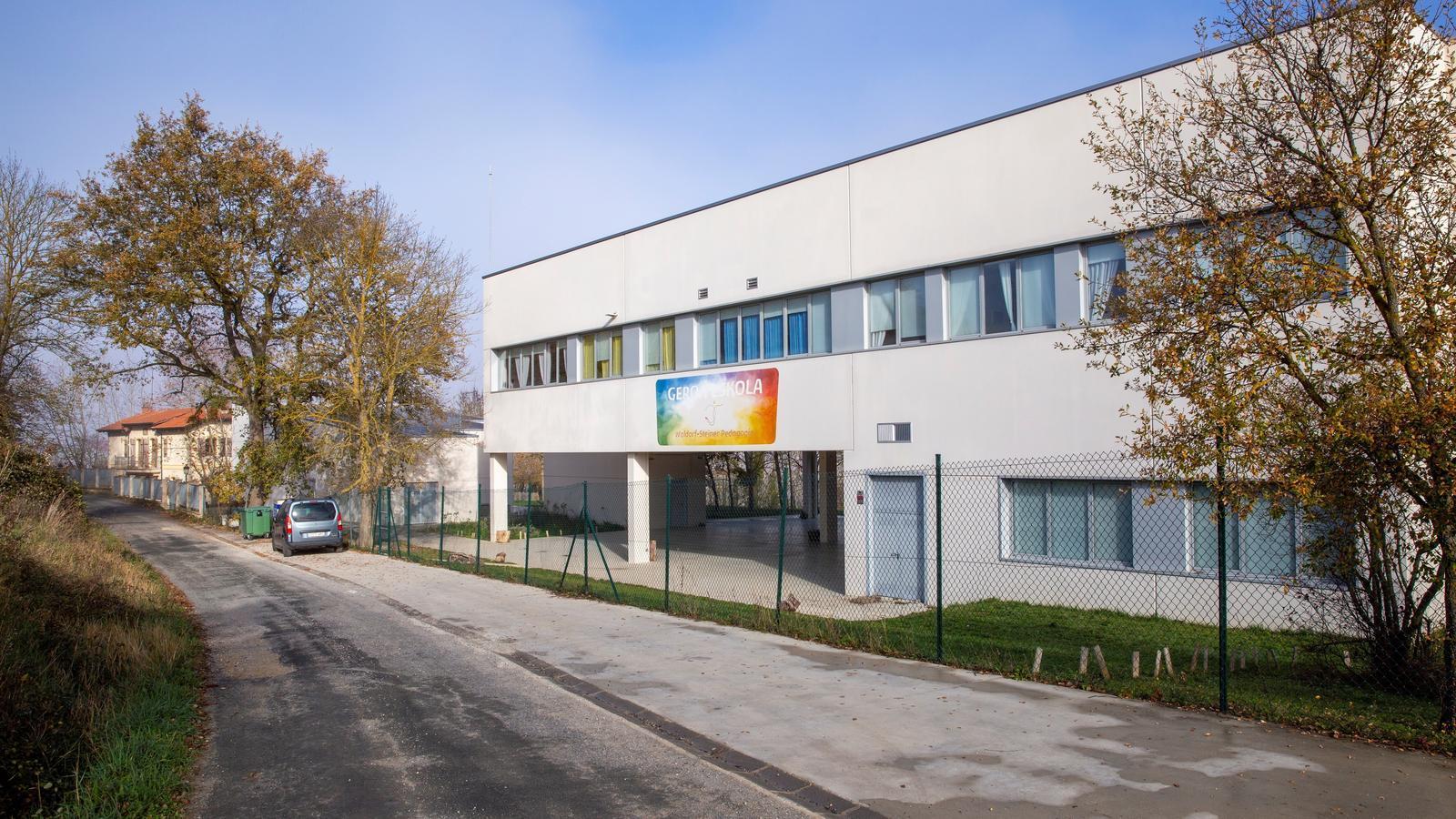 Vista del centre educatiu concertat Geroa Eskola, a Trokoniz, prop de Vitòria