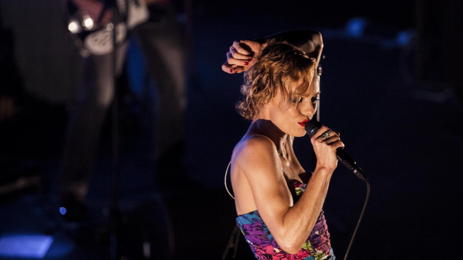 Vanessa Paradis en un concert a la sala Barts el 2014