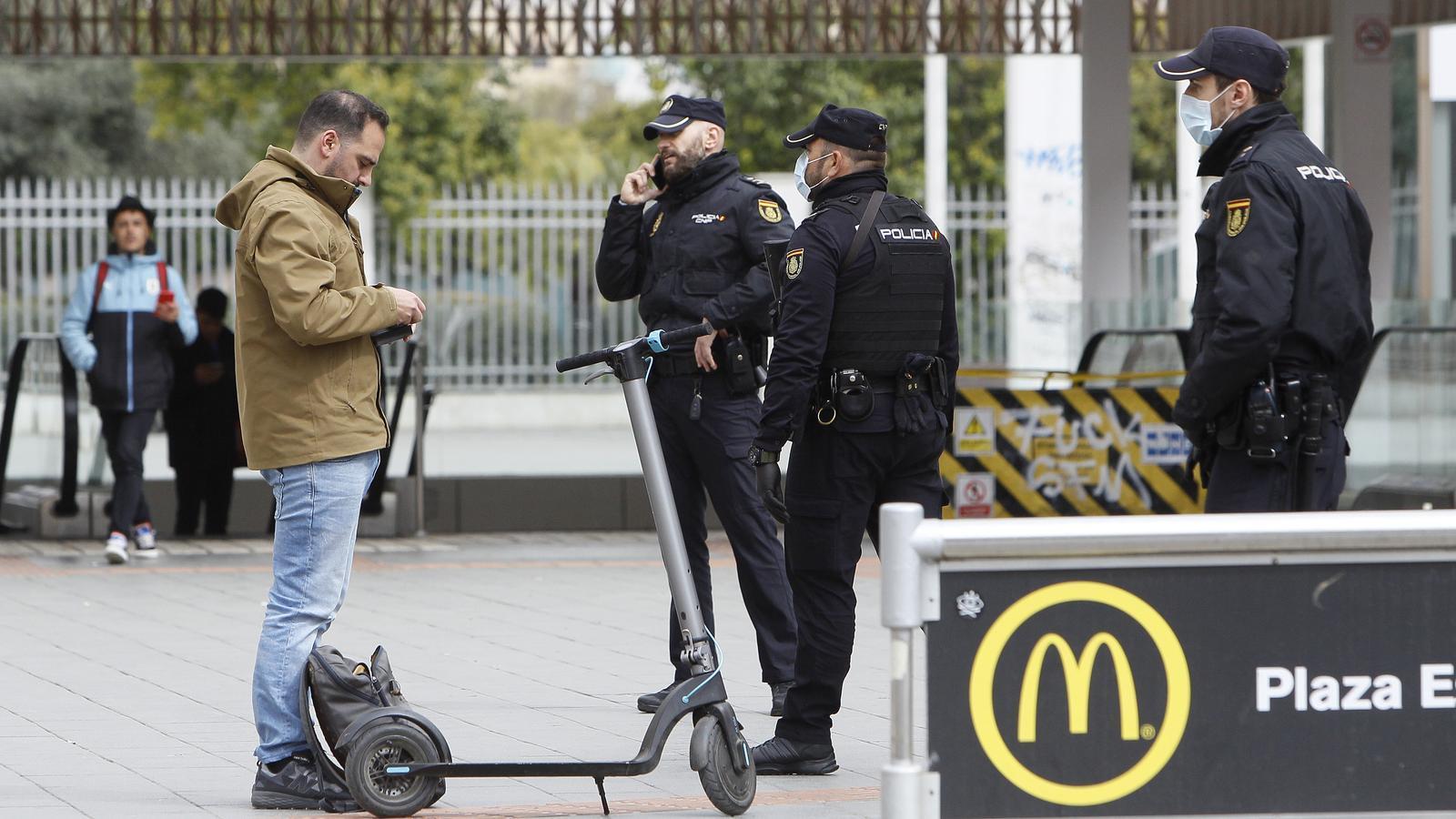 Control al carrer de la Policia Nacional a Palma