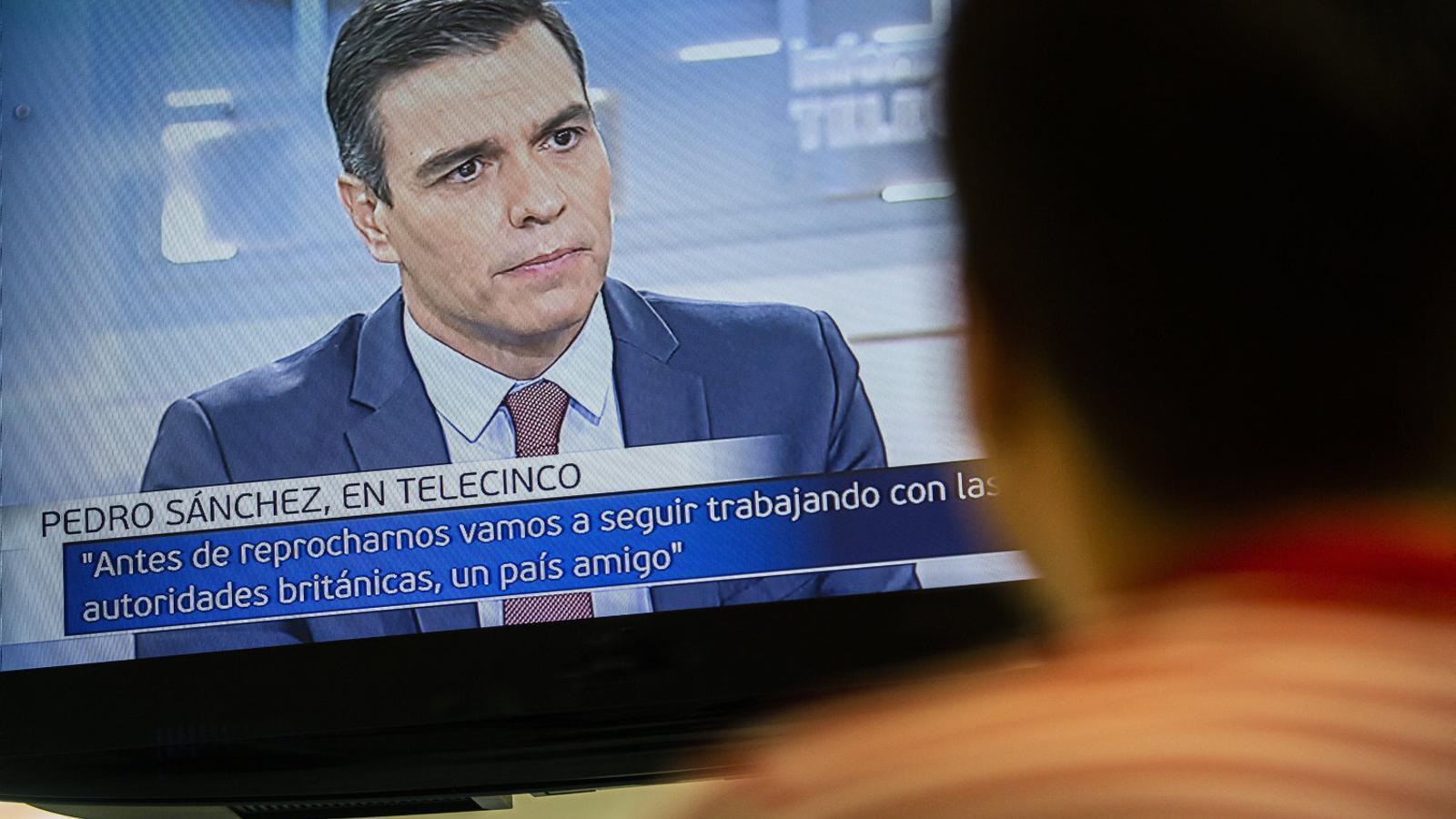 Sánchez tanca files amb el rei i frena el debat sobre la república