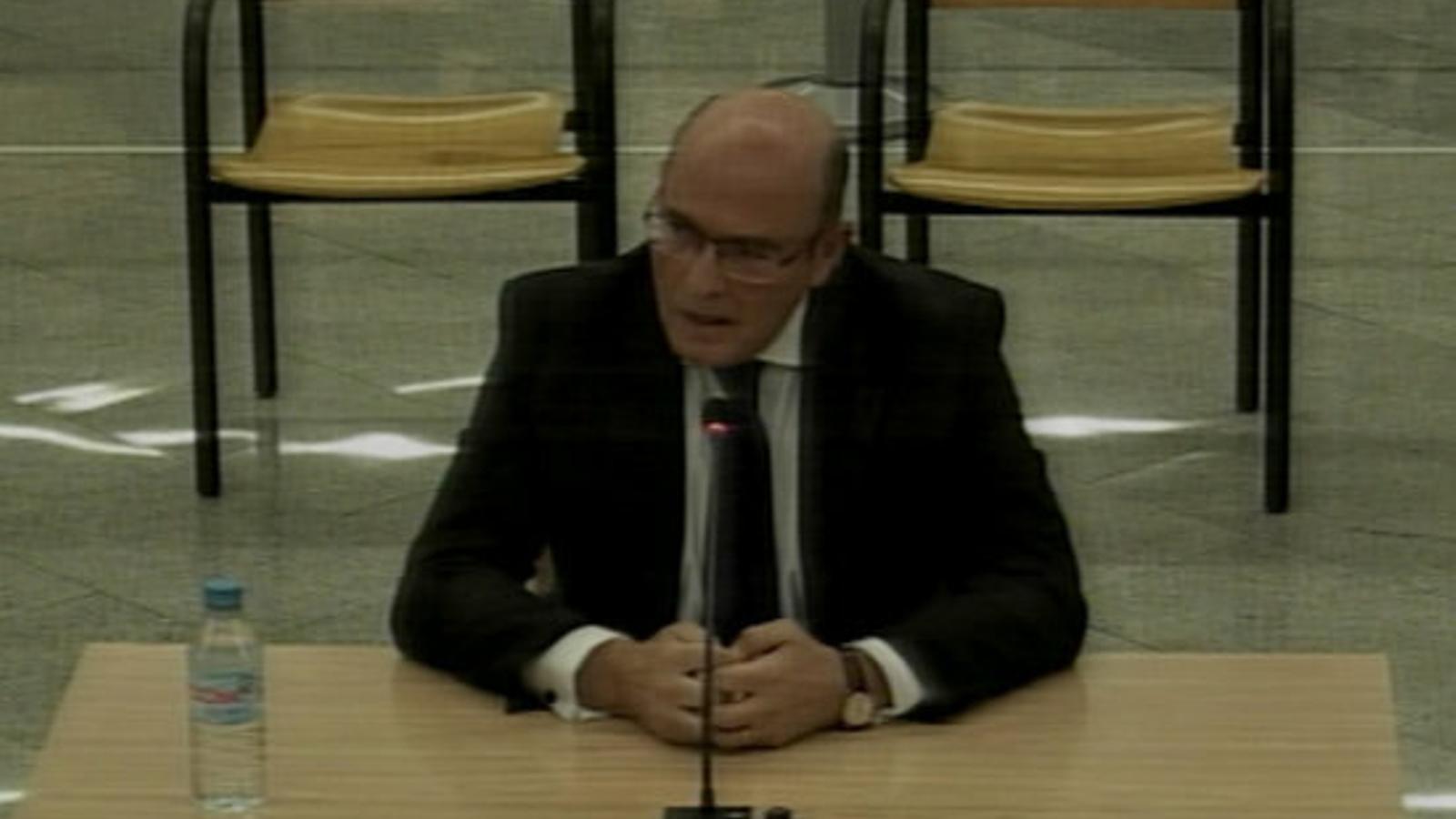 El cap de la Guàrdia Civil a Madrid, Diego Pérez de los Cobos