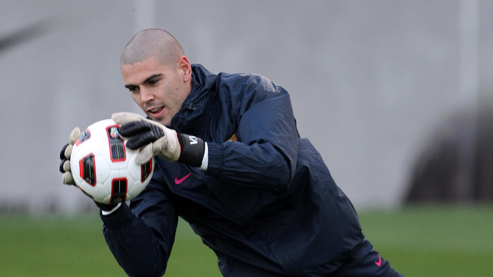 Valdés ja està recuperat de les seves molèsties al genoll i pot tornar a l'onze incial. / MIGUEL RUIZ / FCBARCELONA
