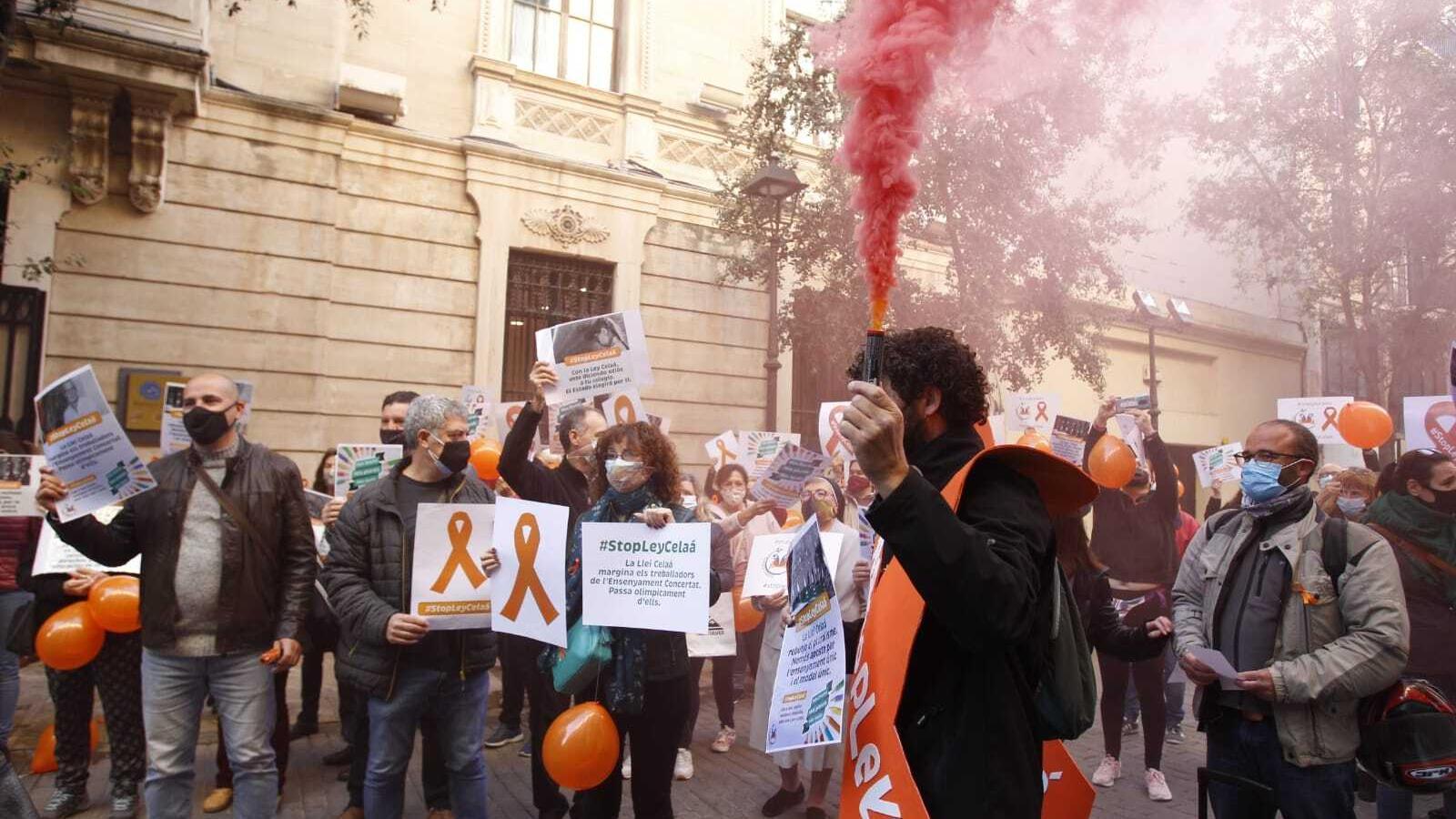 Un moment de la manifestació davant del Parlament