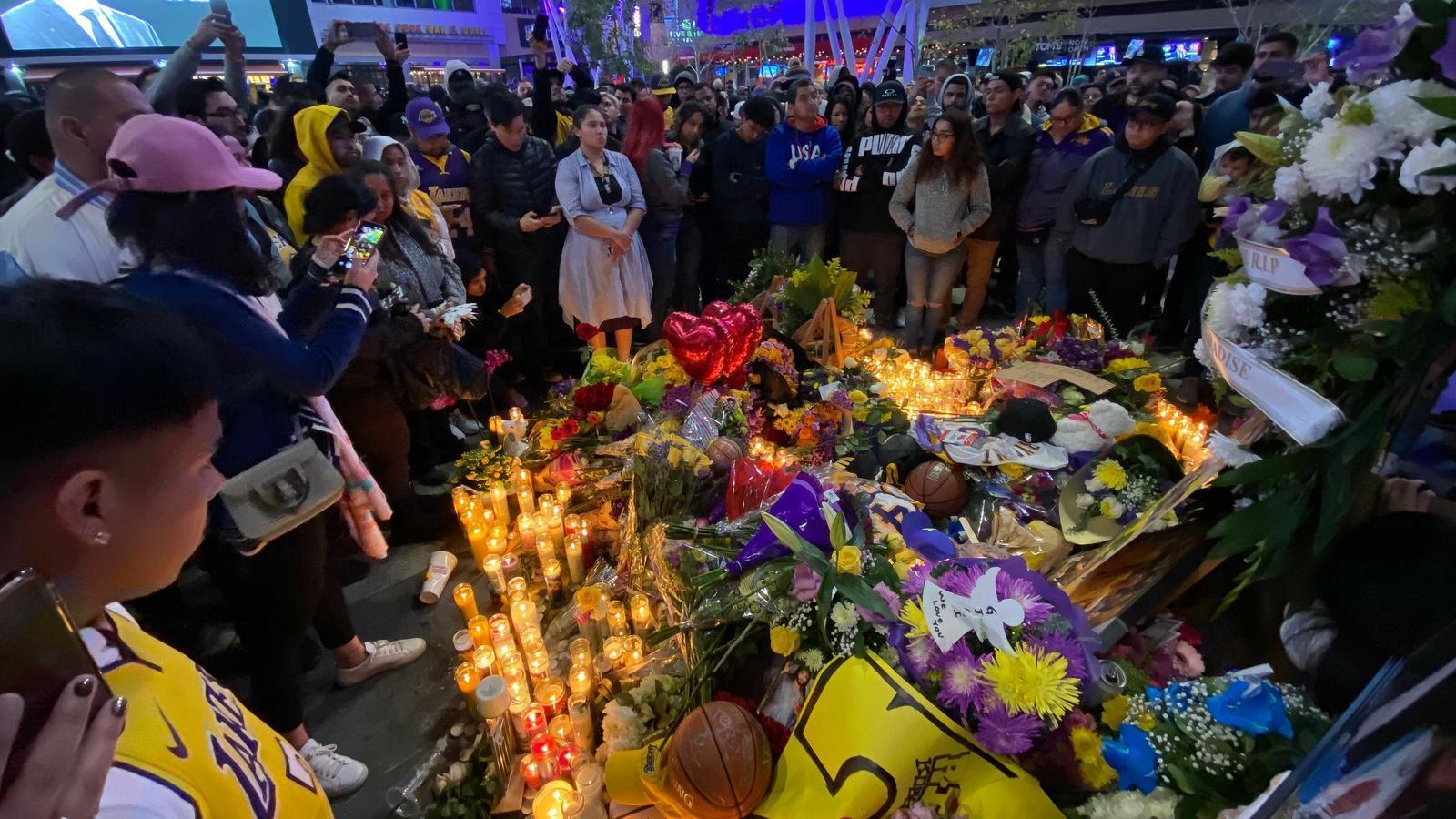 Homenatge a Kobe Bryant, a l'Staples Center